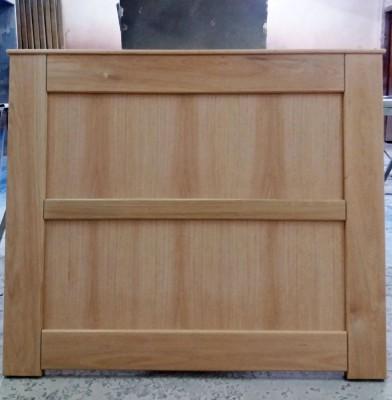 Βαφή ξύλου ντεκαπέ σε κρεβάτι